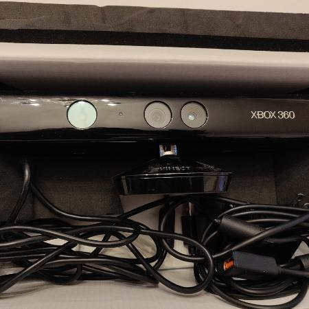 Used, XBOX 360 KINECT + 4 GAMES! for sale  Canada