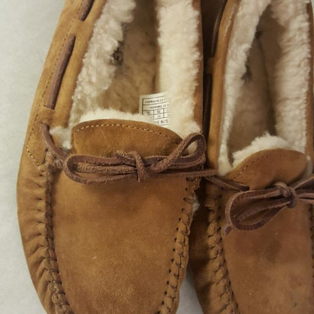 09bf3a6ede6 ugg moccasins size 8 , no holds first to pick up
