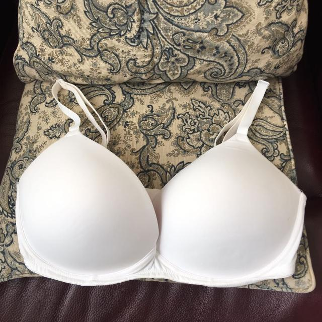 0ef48447c0 Best Victoria s Secret Pink Size 36dd Wear Everywhere Wireless Push-up. See  Description And Additional Pics. Meet At Target In Hendersonville. for sale  in ...