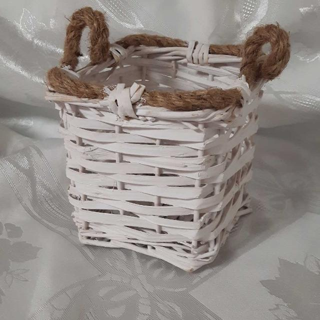 "Best 5 1/2"" Cute Little Basket - 2.00 for sale in Keswick, Ontario for 2019"