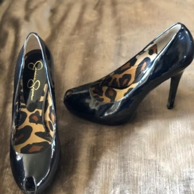 a32113a799f Best Jessica Simpson Black Patent Peep Toe Platform Stiletto Pump Size 8.5  for sale in Ellensburg