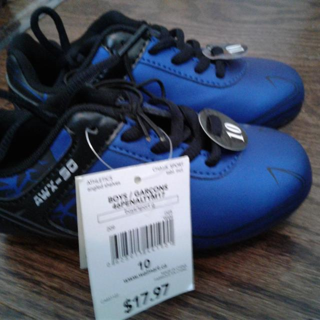 660e943e8145cb Find more New Size 10 Soccer Shoes for sale at up to 90% off