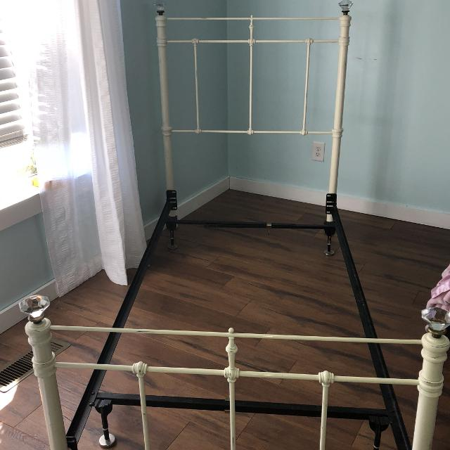 Pottery Barn Twin Size Claudia Bed