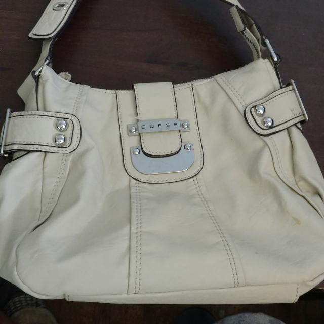 77e91fcf1528 Find more Darling White Guess Purse for sale at up to 90% off