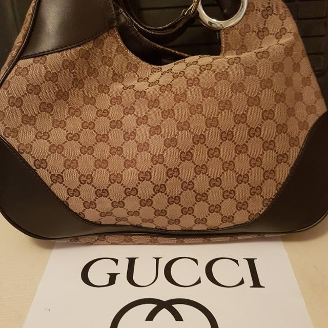 e38f0f0c7ba3 Find more Authentic Gucci Bag for sale at up to 90% off