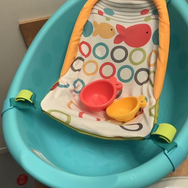 96cb319882b3 Find more Fisher Price Rinse N  Grow Tub - Excellent Condition for ...