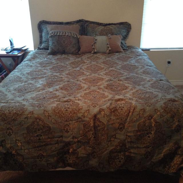 Croscill Laviano Queen Bedding