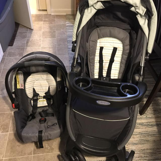 Graco Click Connect Car Seat Stroller Base NEED GONE