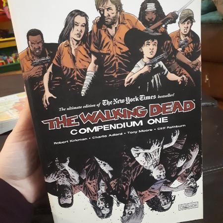 The Walking Dead Compendium 1 for sale  Canada