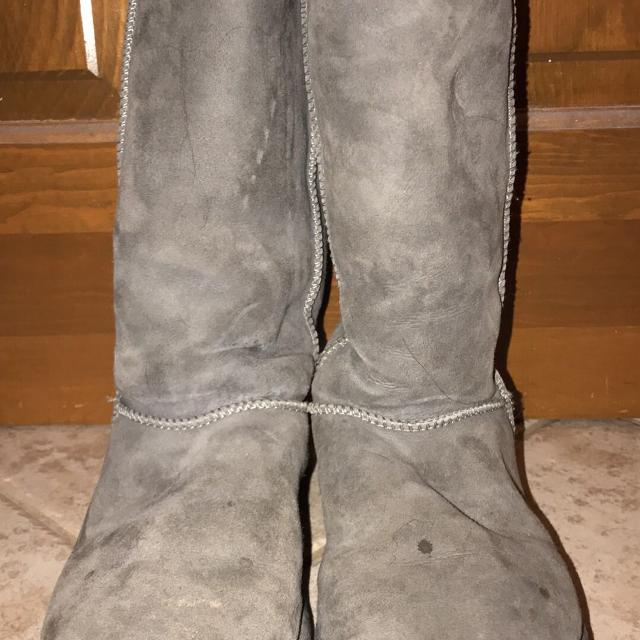 08360736076 Women's UGG boots - size 8