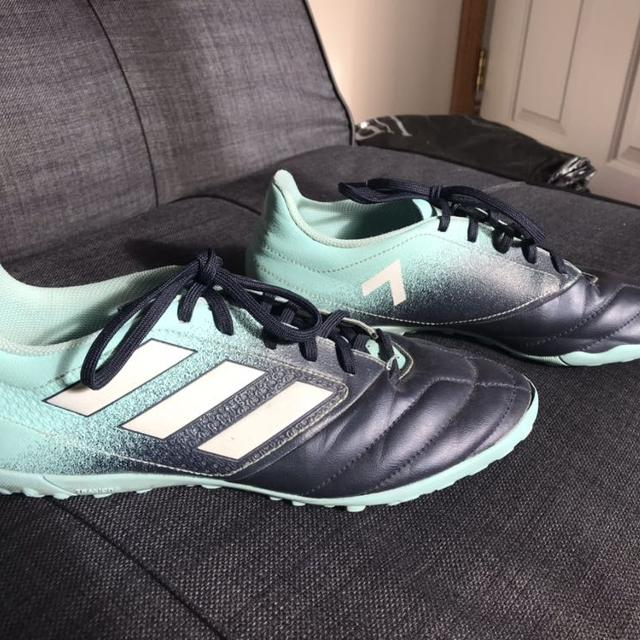 e46037eef69 Shop more nearby items in this category. US size 2 soccer cleats ...