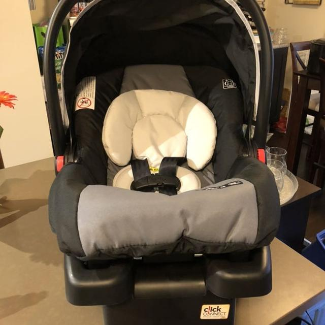 Brand New Graco Snugride 30 Infant Car Seat