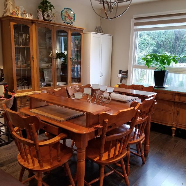 Vintage Dining Room Set Buffet And Hutch