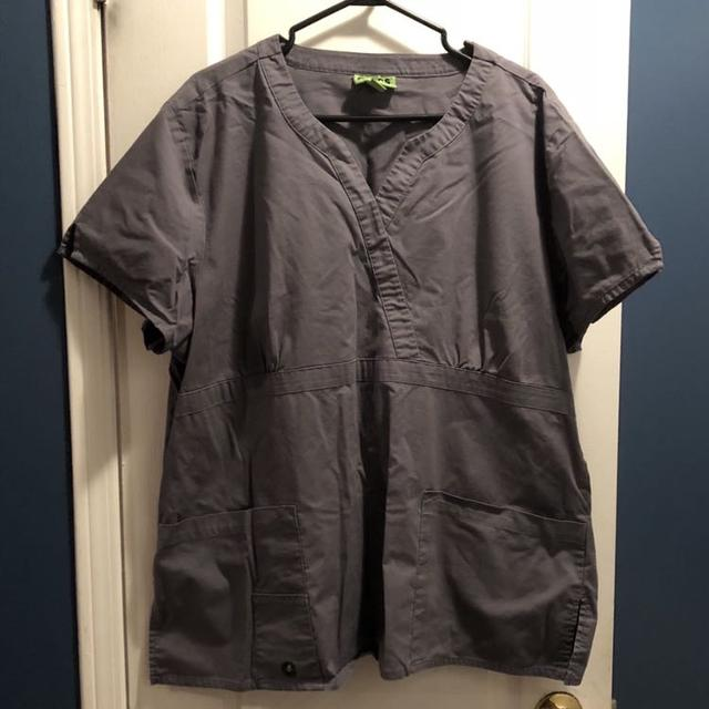 """5eec7af6d5a Find more Women s """"crocs"""" Scrub Top Size 2x Euc for sale at up to 90 ..."""