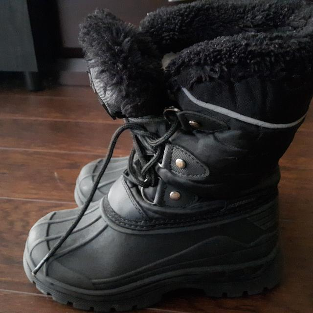 af93f95c7 Find more Mountain Warehouse Winter Boots Boys Size10 for sale at up ...