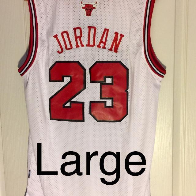 finest selection 58c2b 0ceba Michael Jordan Basketball Jersey - Chicago Bulls - White - Large