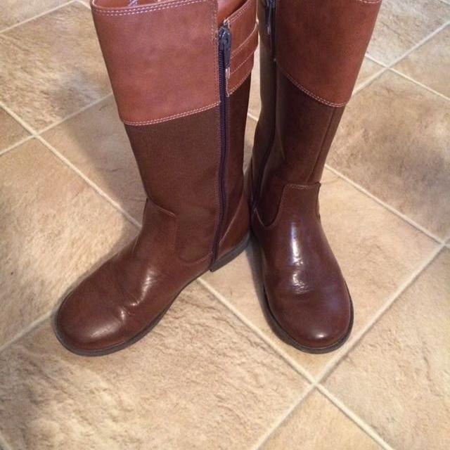0ec57e098d35 Find more Euc Children s Place Tall Riding Boots Size 3 Brown Two ...