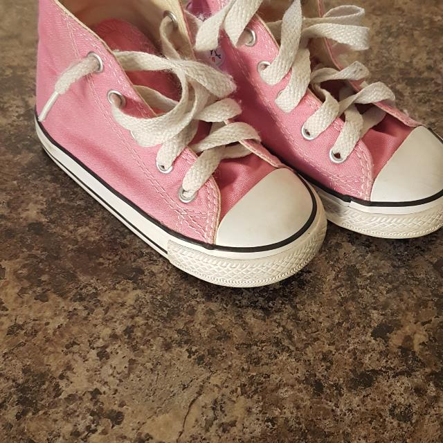 6f980d91feb2 Find more Toddler Girls Size 6 Converse for sale at up to 90% off ...