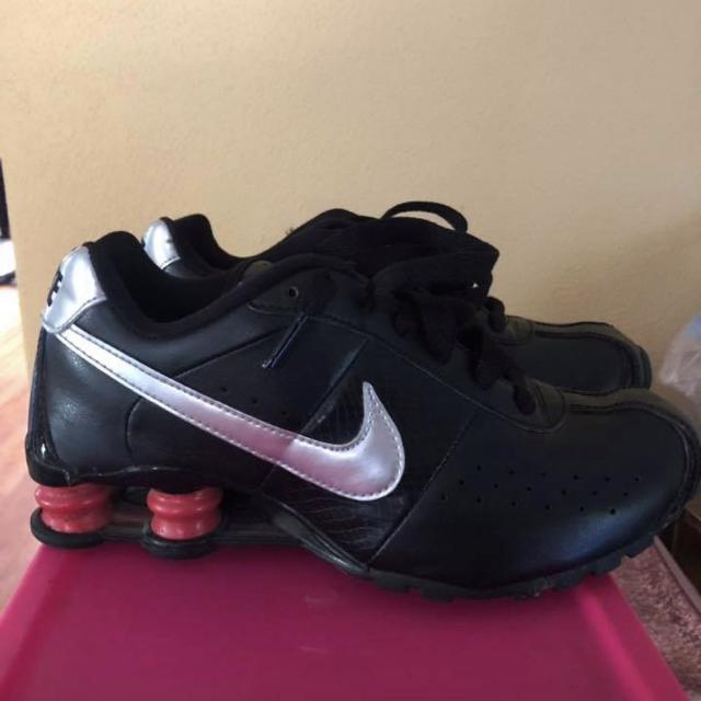 76c28f2bbcff8c Find more Sz 6.5 Girls Nike Shoxs for sale at up to 90% off
