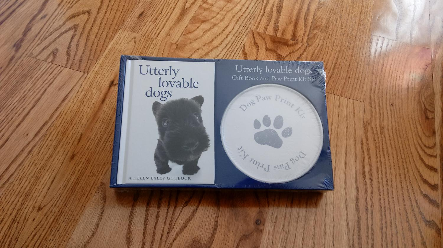 Utterly loveable dogs (hardback) Giftbook & Paw Print Kit  New in package