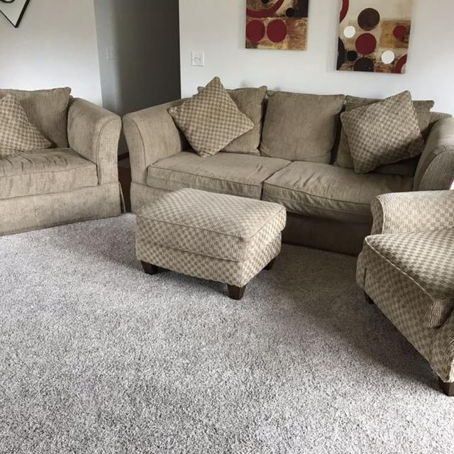 Best 4 Piece Living Room Furniture For Sale In Champaign Illinois