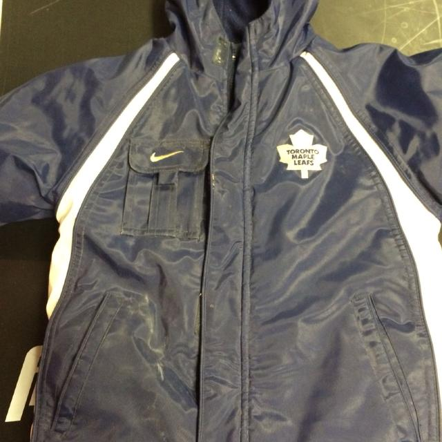 sale retailer 22852 62195 Boys reversible Nike Toronto maple leaf winter coat