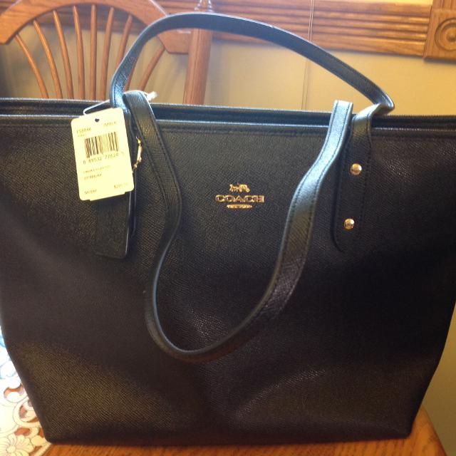 e07fa4136b82 Best New Authentic Coach Purse for sale in Calgary