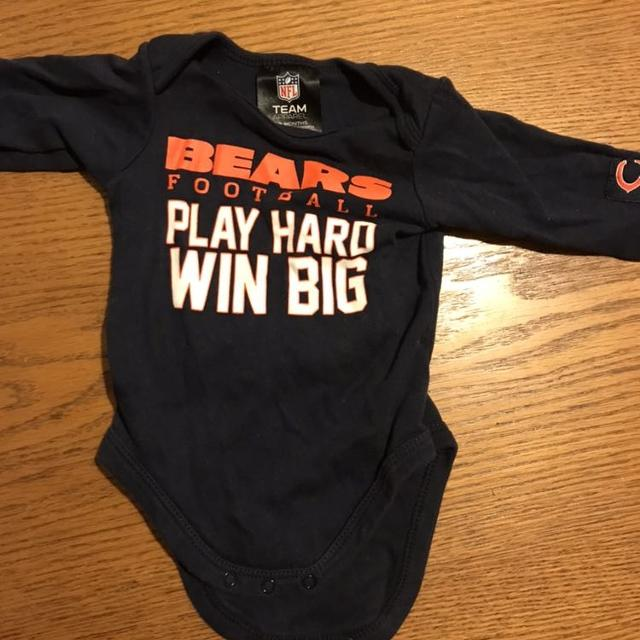 official photos 8aed8 f9415 Chicago Bears 0-3 month onesie