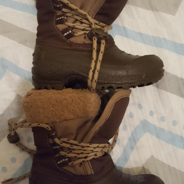 Best Sportek Size 7 Winter Boots For Sale In Airdrie Alberta For 2020 N this episode of what the hack, we shall be exploring ways to ease your footwear woes. varagesale