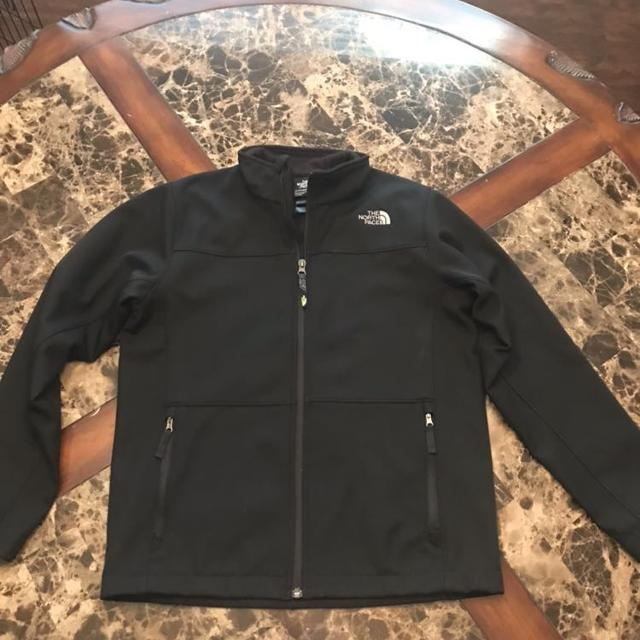 e39424743 Final reduction! Boys North Face windwall jacket