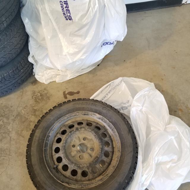 Used Tires Winnipeg >> Winter Tires W Studs 195 60 15r