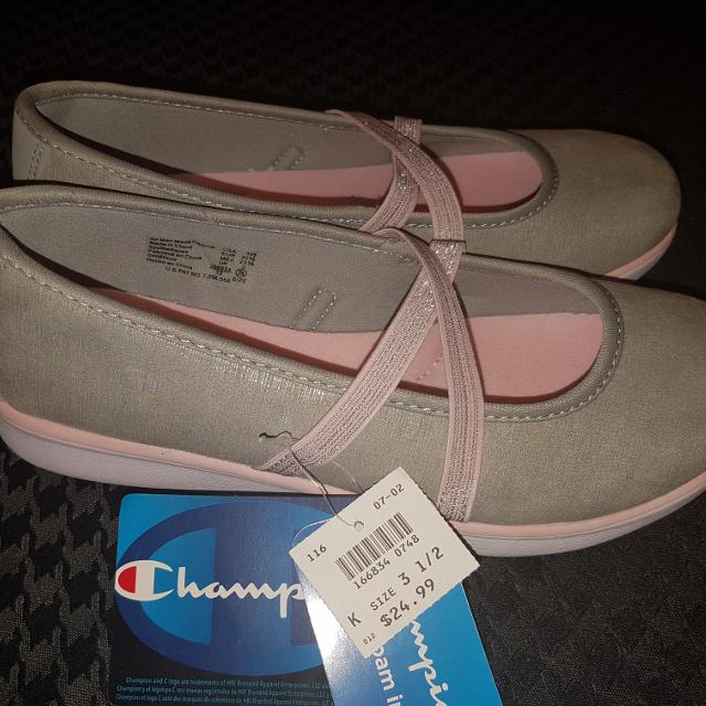 488362e5fe9 Find more Brand New Never Worn Champion Size 3.5 Shoes Paid  25 Usd ...
