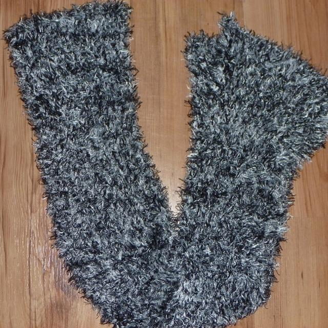 Ladies Fuzzy Black/White Scarf