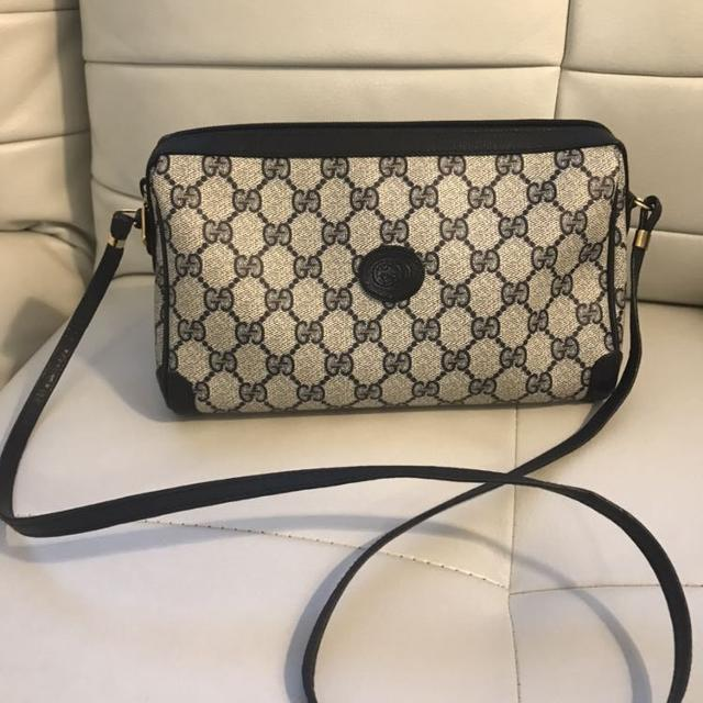 d58b7063c09 Find more Authentic Vintage Navy Blue Gucci Crossbody Bag for sale ...