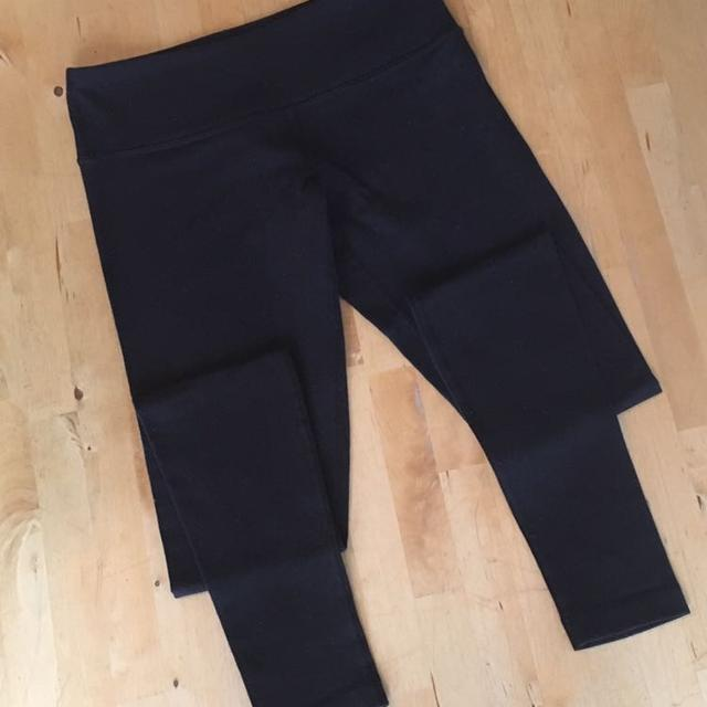 926bc12e18 Find more Lululemon Yoga Pants - Size 6 - Black for sale at up to 90 ...