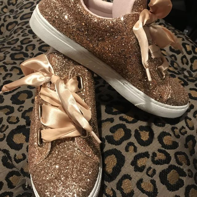 best website 64023 d2ff9 Best Rose Gold Tennis Shoe Size 7 for sale in Brazoria County, Texas for  2019