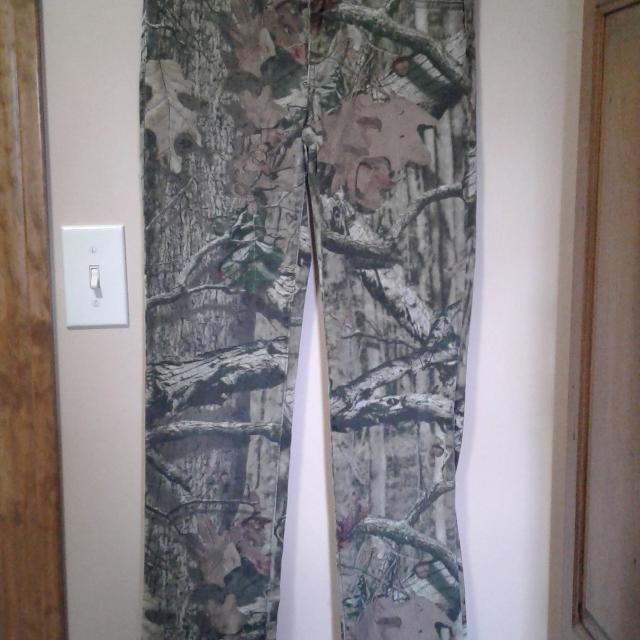 04e1972899d2d Best Mossy Oak Youth Camouflage Pants for sale in Jefferson City, Missouri  for 2019
