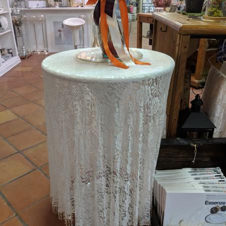 Lace table cloth(PRICE DROP) for sale  Canada