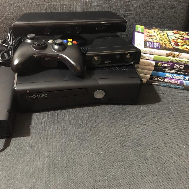 Reduced EEUC Xbox 360 Kinect With Nyko Zoom Plus Games