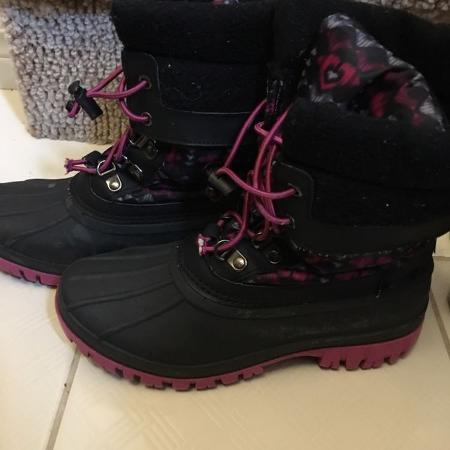 75b5f7e742bc12 Best New and Used Girls Shoes near Clarington