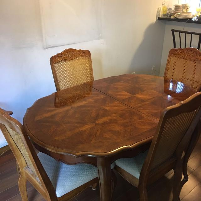 Best Dining Table And Chairs For Sale In Victoria British Columbia 2019
