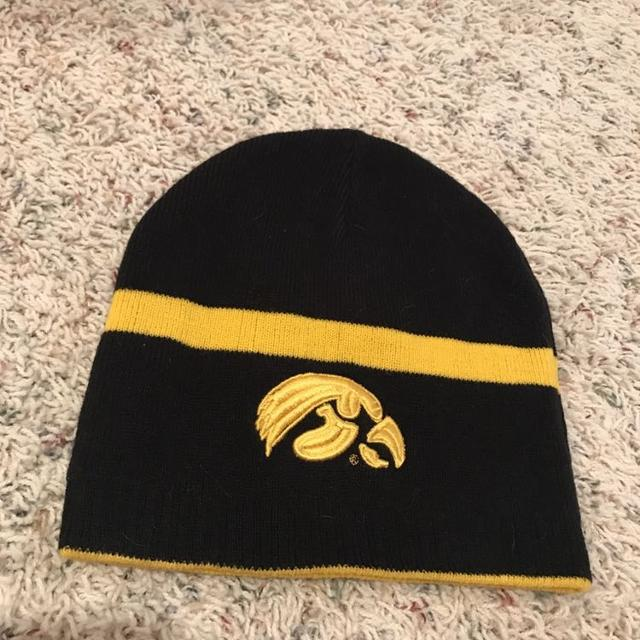 a36ee4126ae27 Find more Iowa Hawkeye Knit Winter Cap for sale at up to 90% off