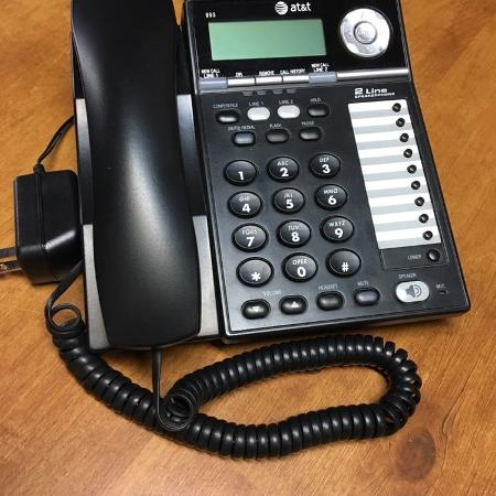 AT&T 2 lines phone for sale  Canada
