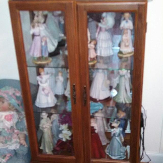 Curio Cabinet Home Interior Dolls