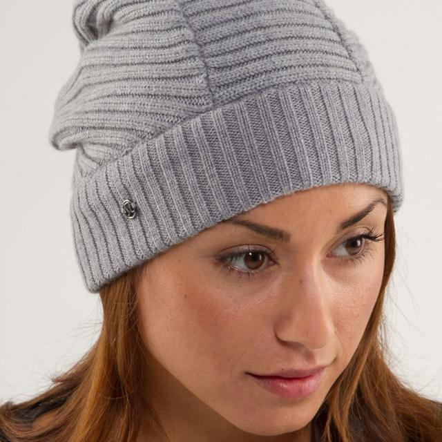 1dbff2dd7c1ce Find more Veuc Lululemon Movement Toque Light Grey for sale at up to ...