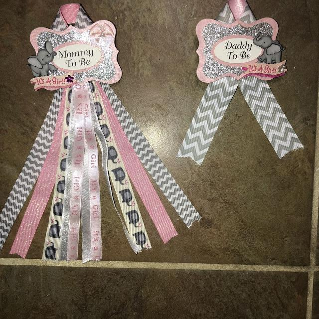 Mommy & Daddy Pins GREAT FOR BABY SHOWER