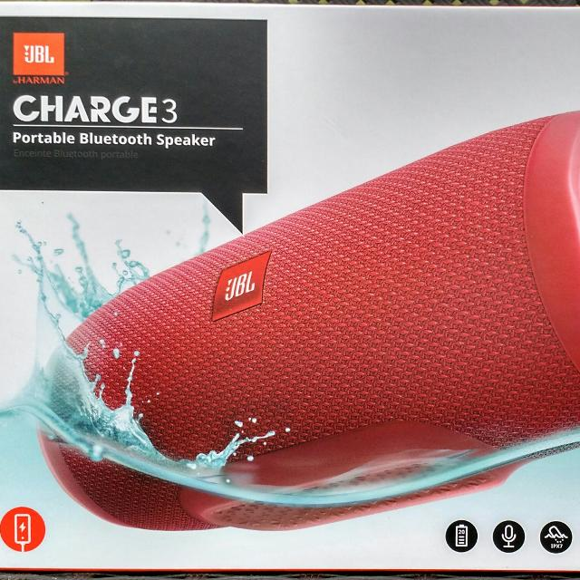 JBL Charge 3 Waterproof Portable Bluetooth Speaker / Altavoz Portable  Impermeable de Bluetooth (Red/Rojo) - New in Box/Nuevo en Caja-> $75