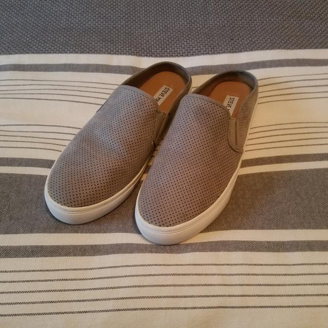 73bedf99bcb Find more  steve Madden  Grey Leather Slip-on size 8... worn 2 Times ...