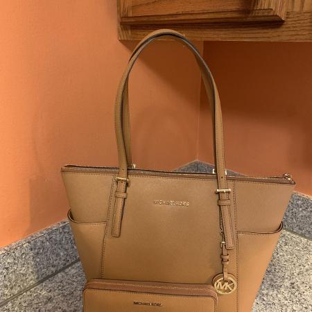 1bea38c7428f Michael Kors purse and wallet