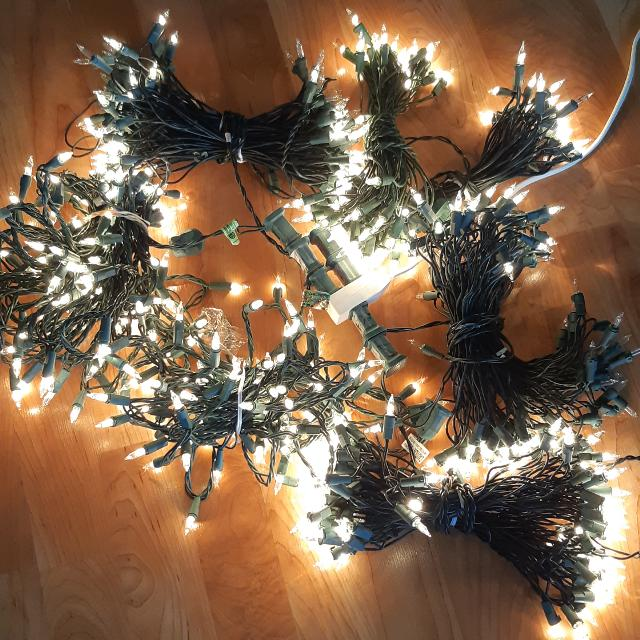 Incandescent Christmas Lights.Incandescent Christmas Tree Lights